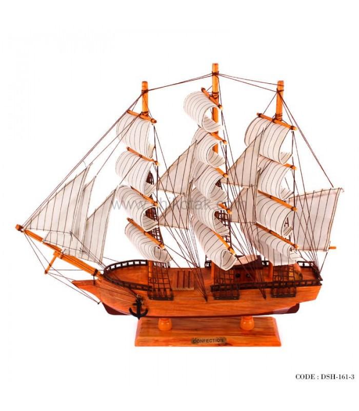 خرید کشتی بادبانی چوبی