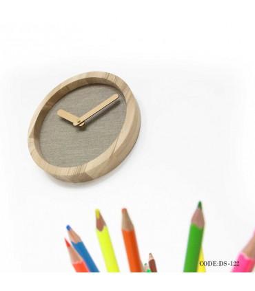 ساعت چوبی دیواری طرح مدرن