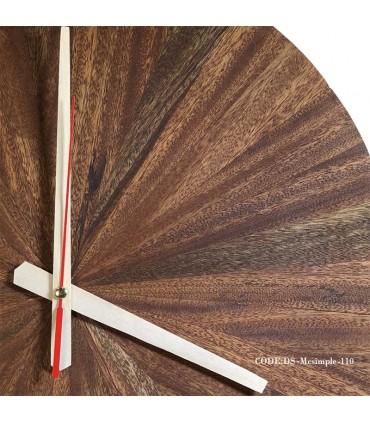 تصویر ساعت گرد دیواری چوبی مدل 110