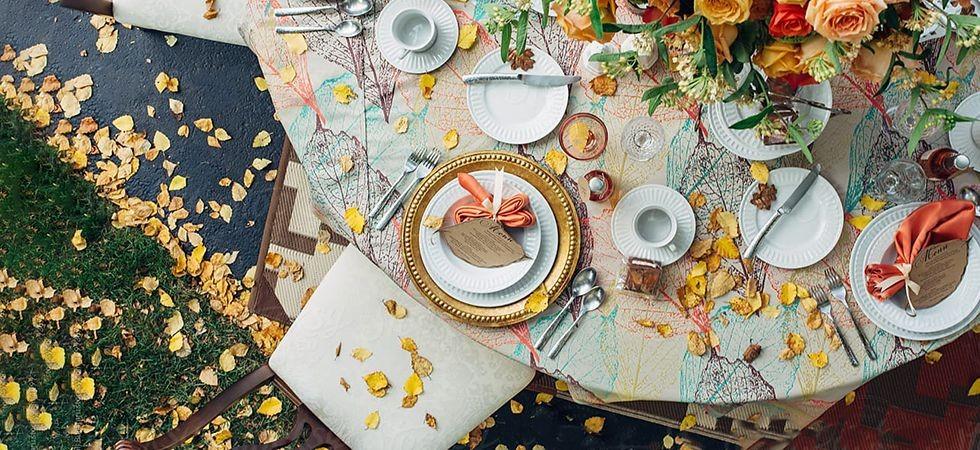 در تزیین میز شام برای یک مهمانی چطور عمل کنیم؟